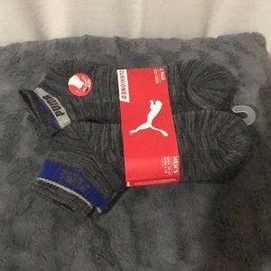 Pumas crew socks size 10-13